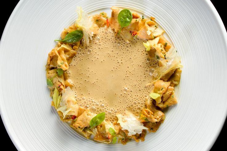 Tempeh, alimento fermentato di semi di soia gialla. Una grande risorsa vegetariana