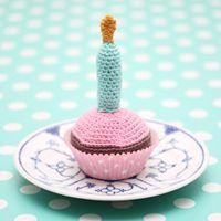 LONNIES.DK » DIY: Hæklet fødselsdags Cupcake