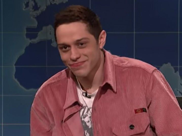 Pete Davidson Addresses Personal Crisis On Snl And It S Funny