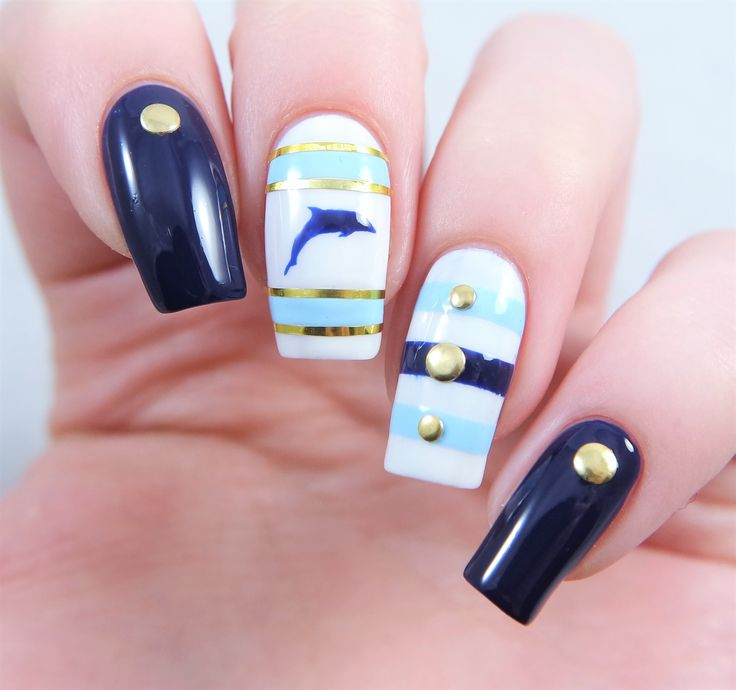 Perfect beach vacation manicure using our Dolphin Nail Decals found at snailvinyls.com