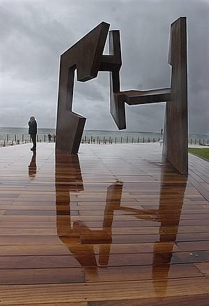 Art from Spain - Eduardo Chillida Juantegui, ( San Sebastián 10 January 1924 – 19 August 2002) was a Spanish sculptor notable for his monumental abstract works.