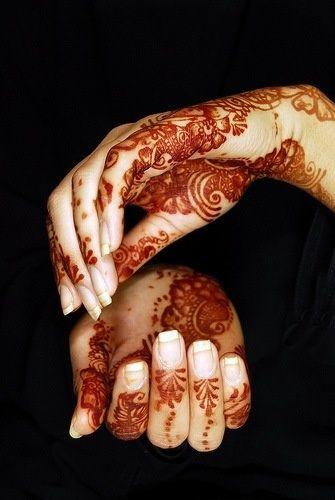 8 Amazing Pakistani Mehndi Designs // HAATI CHAI
