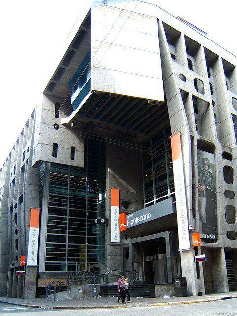 Galería de Clásicos de Arquitectura: Banco de Londres en Buenos Aires / Clorindo Testa y SEPRA - 3