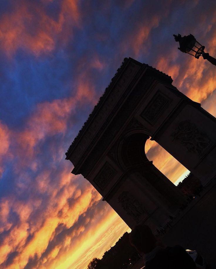 "Polubienia: 76, komentarze: 1 – Magda S (@mag_swiech) na Instagramie: ""#arcdetriomphe #apocalypse 🌇#photooftheday #paristrip #sunset #sunsetporn #champselysees…"""