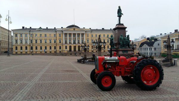 Senaatintoria. #traktorimarsssi
