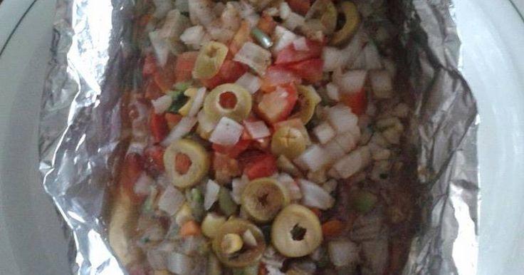 Fabulosa receta para Filete de pescado empapelado. Muy sencillo y rápido este plato de filete de pescado con verduras y hecho al papillote.