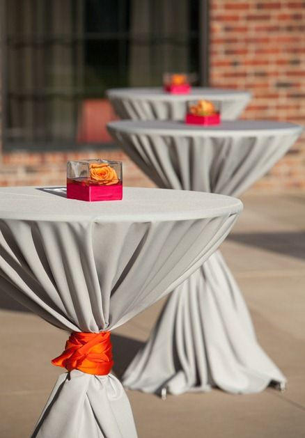 Silver linen with orange tie elegant and fun outdoor - Cocktail dekoration ...