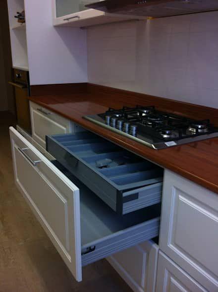 REMODELACION Y PUESTA EN VALOR DEPARTAMENTO EN BARRANCAS DE BELGRANO: Cocinas de estilo clásico por Arquitecta MORIELLO