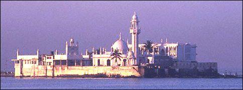 Haji Ali Dargah, Mumbai (INDIA) - Tomb of Pir Haji Ali Shah Bukhari(R.A.)