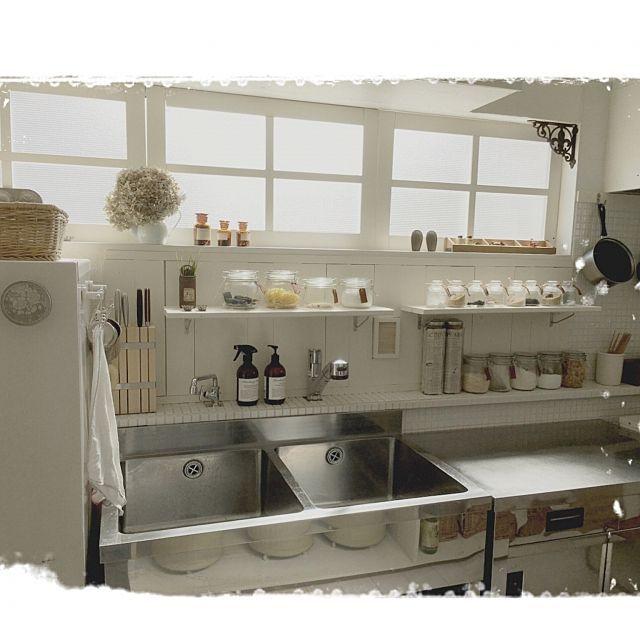 女性で、4LDKのフォロワー5000人様ありがとぉ♪/業務用ステンレス作業台/調味料棚DIY/窓枠 DIY…などについてのインテリア実例を紹介。「フォロー5000人様ありがとぉございますm(._.)m 心から嬉しく思います(T ^ T)クスン  イベント作品作りが終わったらプレ企画やるわよ〜♪」(この写真は 2016-05-02 18:48:40 に共有されました)