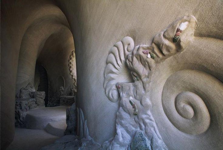 Durante 25años yestando completamente solo, este hombre creó unmaravilloso mundo subterráneo