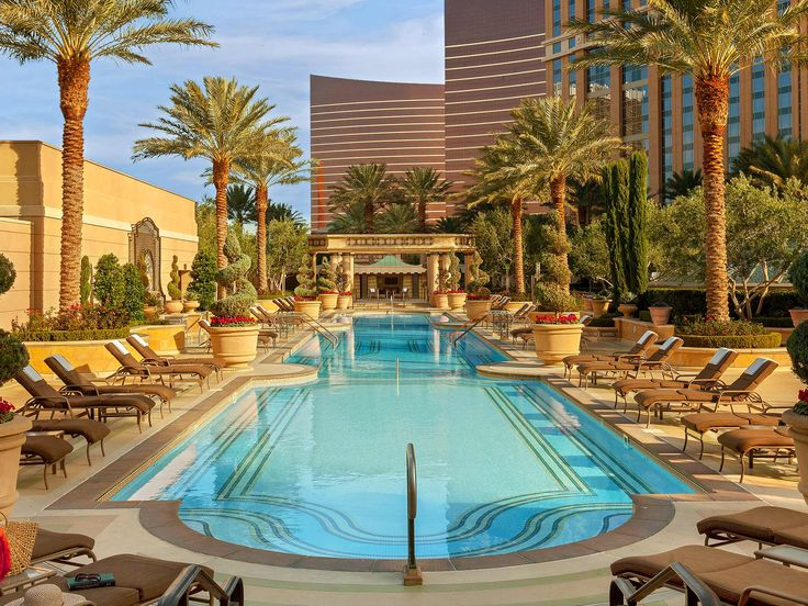 Editors name their six favorite hotels in Sin City—the ones we return to, year after year.