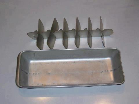 Cubitera de metal ¡¡¡Cuidado que se te pegan los dedos...!!!