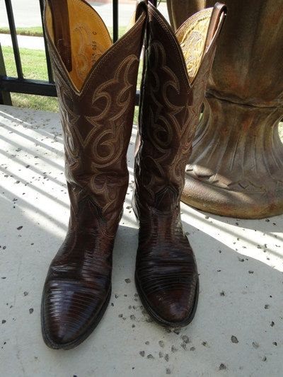 Womens Size 6 Cowboy Boots 23