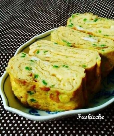 Tamagoyaki with Green Peppers and Cheese