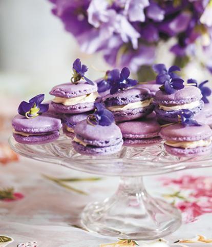 Violet macaroons - rooi rose