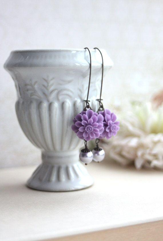 Lavanda viola orecchini di perle avorio viola lilla. di Marolsha