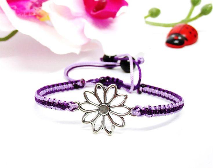 Karkötő virág motívummal – lila árnyalatok