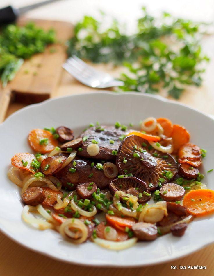 Smaczna Pyza: Krówki smażone z marchewką i cebulką.