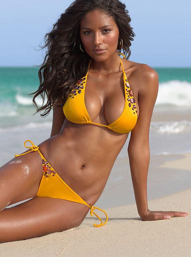 foto-modeley-brazilii-v-bikini
