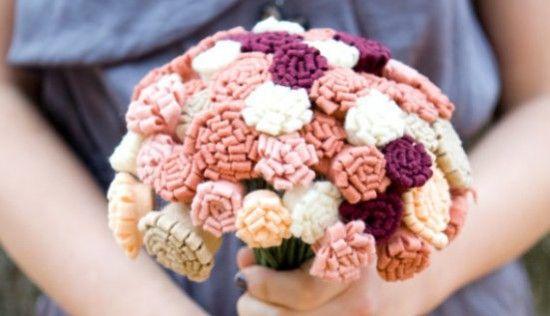 Buque de Feltro: Bouquets De Feltro, Diy Felt, Felt Bouquets, Parties, Flore Feltro, Bouquets Felt, Felt Flowers Bouquets, Rolls Felt Flowers, Bouquets Kanzashi
