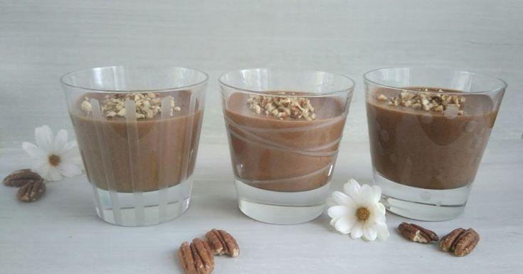 Étant très curieuse, il fallait   que je teste cette recette vegan   de mousse au chocolat ou les   blancs d'oeufs sont rem...