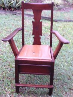 FIXED PRICE ! Near Antique Solid Wooden Chair ! | Dressers & Drawers | Gumtree Australia Logan Area - Logan Central | 1107205849