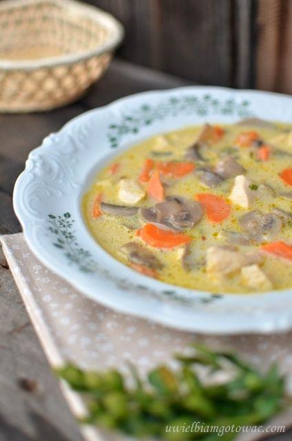 Kremowa zupa pieczarkowa z kurczakiem