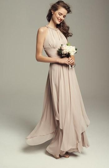 Adore the champagne color for bridesmaids dresses!