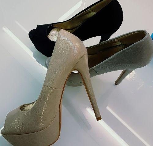 Γυναικειες γοβες peep toe  http://handmadecollectionqueens.com/γυναικειες-γοβες-peep-toe  #fashion #pump #women #footwear #women #style #storiesforqueens #peeptoe