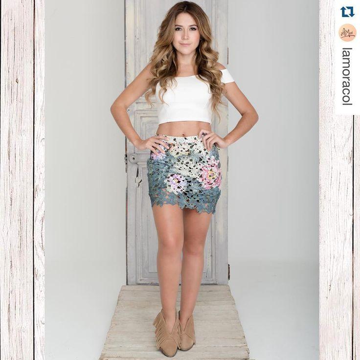 """905 Me gusta, 10 comentarios - Milena Morales (@milenamorales12) en Instagram: """"#Repost @lamoracol  Aquí otro diseño de la nueva colección: Botines con flecos. Color: Miel…"""""""