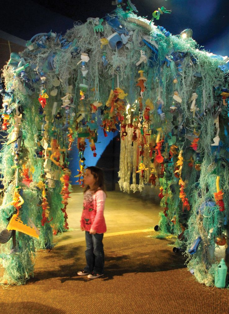 Angela Haseltine Pozzi makes thought-provoking art from the trash that washes up on Oregon's beaches. trash into art Art For Change, Oregon Beaches, Trash Art, Sea And Ocean, Environmental Art, Thought Provoking, The Little Mermaid, Creative Art, Cool Art