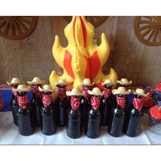 17 best images about western rodeo party on pinterest for Adult birthday decoration