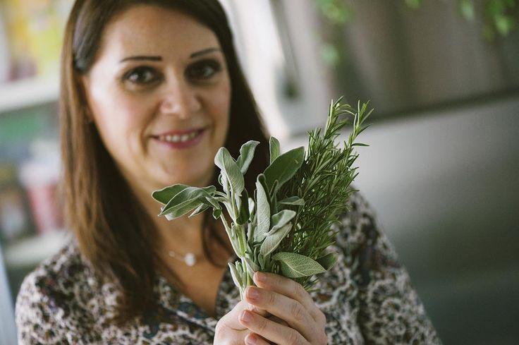 Le erbe e piante aromatiche sono amiche fondamentali in cucina: impreziosiscono i tuoi piatti donando sapore e colore! Ecco la mia guida!