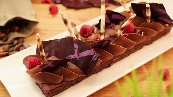 Рецепт шоколадного торта брауни с малиновым кремом ганаш