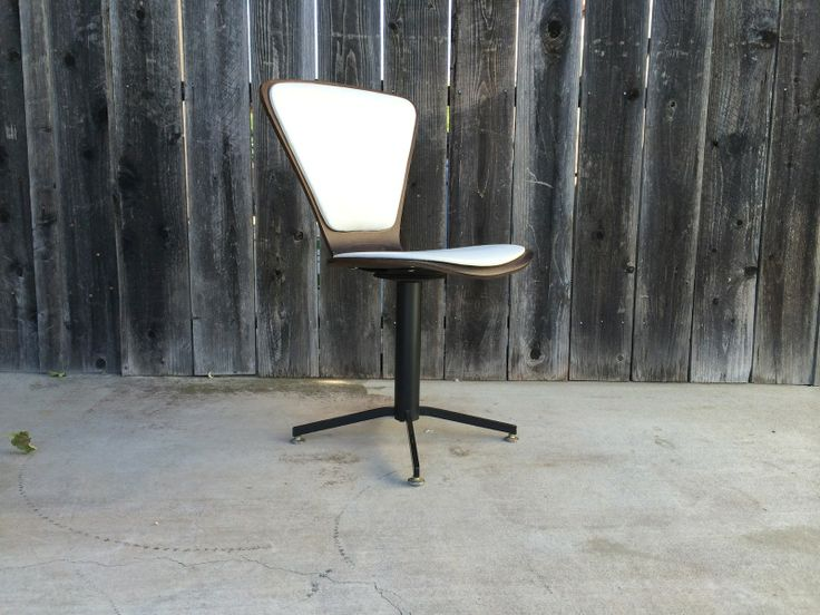 Cherner style chair good vintage condition