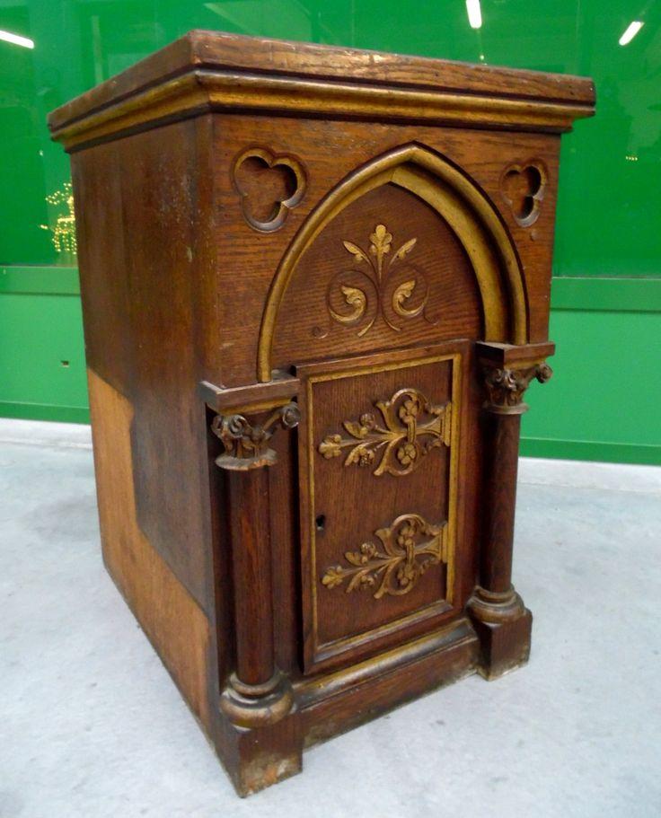 Tabernacolo '800 neogotico con dorature proveniente da cappella privata castello francese