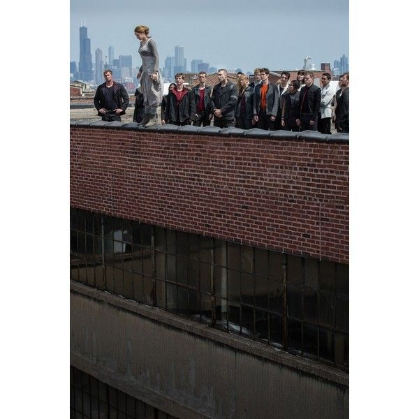 Divergent Movie Stills Shailene Woodley Gets Dauntless as Tris Prior... ❤ liked on Polyvore featuring divergent and backgrounds