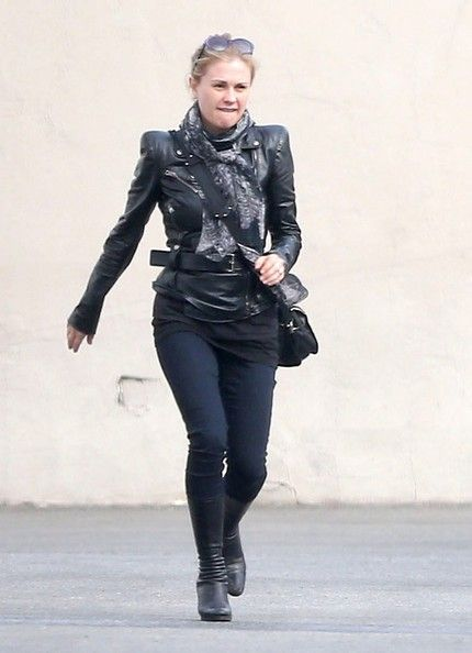 Anna Paquin Photos: Anna Paquin Takes Her Twins Costume Shopping