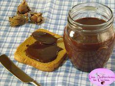 Nutella Fatta in Casa senza Zucchero e Latte Oggi vi lascio la mia Nutella Fatta in Casa, preparata senza Zucchero e senza Latte, che ha riscosso un grande