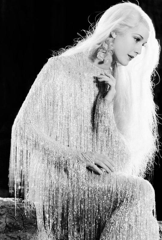 vintagegal  Anita Louise as Titania in A Midsummer Night's Dream (1935)