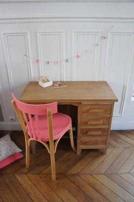 Bureau de comptable et chaise baumann for Chaise de bureau fille