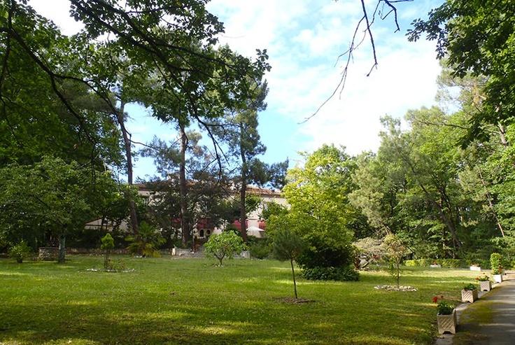 La Villa Les Pins, chambres d'hôtes à Vacquiers, en Haute-Garonne