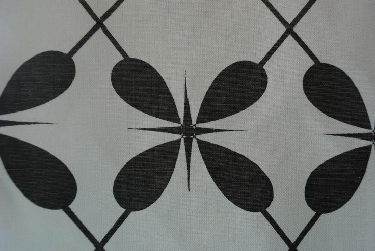 Lucky 4 Leaf Lattis Grey - White linen/cotton blend 137cm