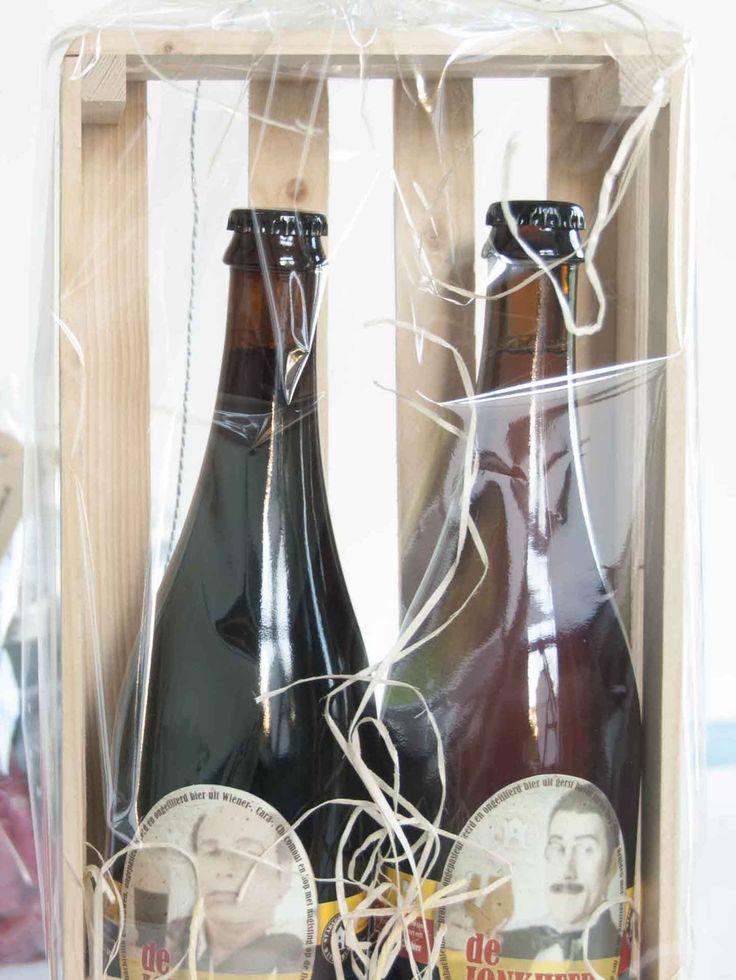 Bierpakket van 2 grote flessen bier gemaakt voor een coach die zijn klanten een kerstcadeau gaf.