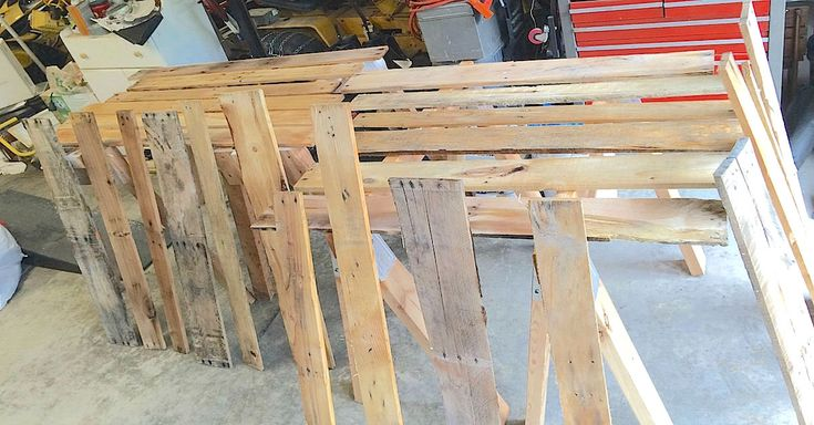 These Old Pallets Were Turned Into A Stunning Display Of Patriotism via LittleThings.com