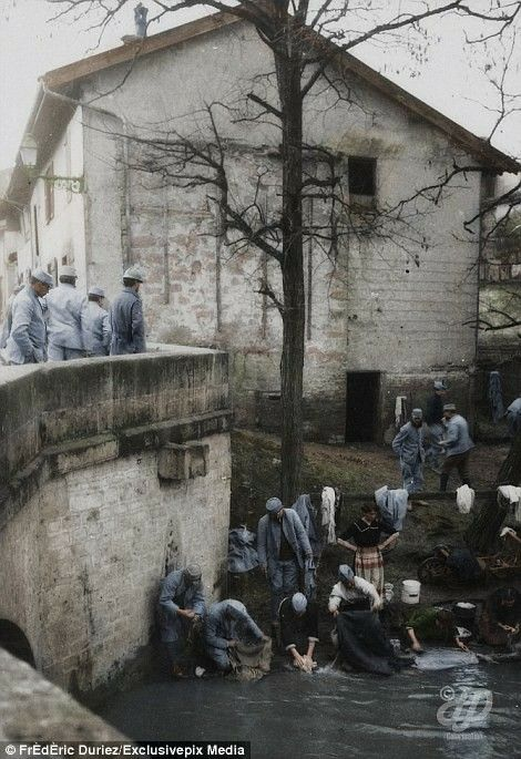 Soldiers do their laundry at the road of Vitry at Sainte Menehould on January 12, 1916.