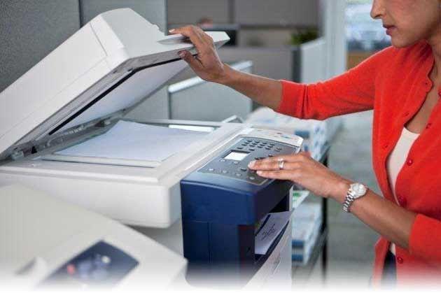 Есть очень простой и доступный всем способ сканирования документов или фотографий на компьютер без помощи каких-то особенных программ для Вашего сканера.