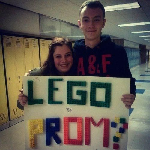 joindarkside » The 25 Best Prom Proposals of All Time
