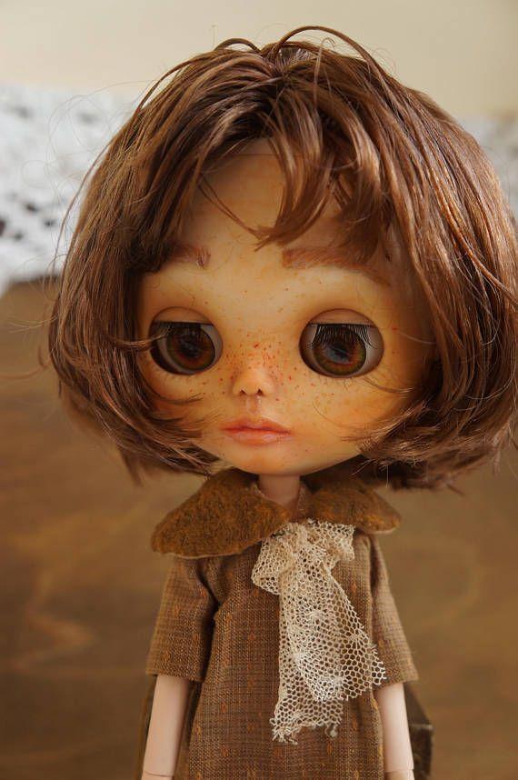 Custom Blythe doll OOAK Elizabeth